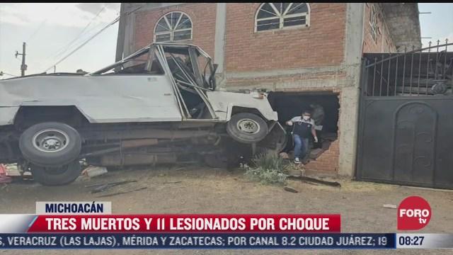 choca trailer contra camion que transportaba jornaleros en michoacan hay tres muertos