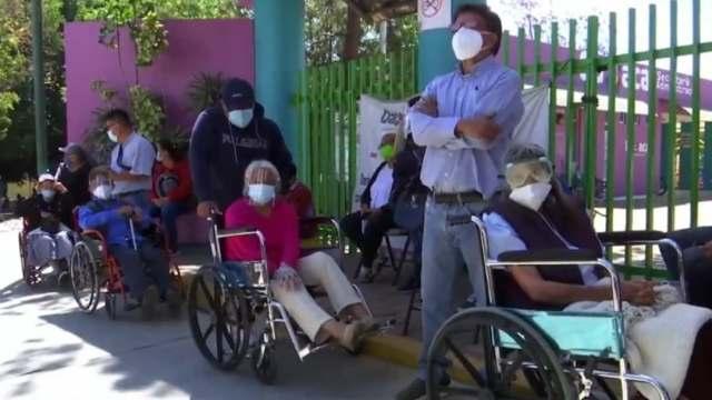 Con orden y coordinación, Oaxaca reanuda vacunación contra COVID-19