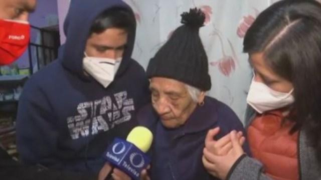 Doña Lorenza fue rescatada gracias al llamado de los vecinos