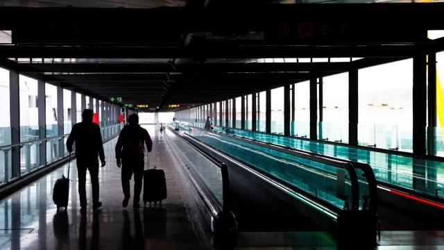España prorroga restricciones de vuelos con Reino Unido, Brasil y Sudáfrica