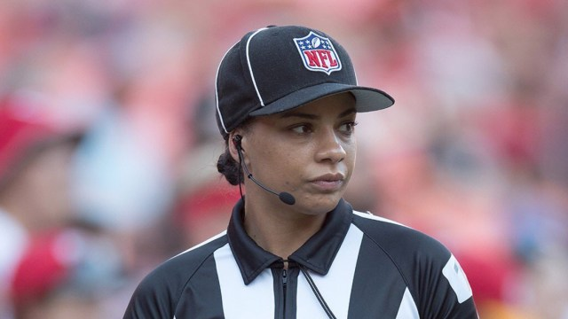 NFL contrata a Maia Chaka, primera mujer afroamericana como árbitro
