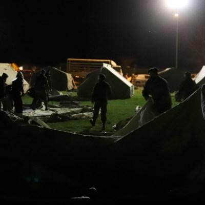 Miles de griegos pernoctaron en carpas y hoteles tras sismo de magnitud 6.3.