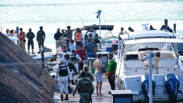 Muere uno tras desplome de avioneta en Laguna Nichupté, en Quintana Roo