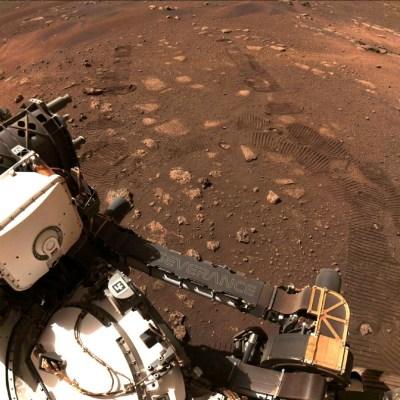 Perseverance-realiza-su-primer-paseo-de-prueba-por-Marte