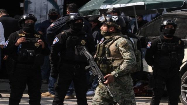 Policías abaten a dos presuntos delincuentes en Santa Martha Acatitla, en Iztapalapa