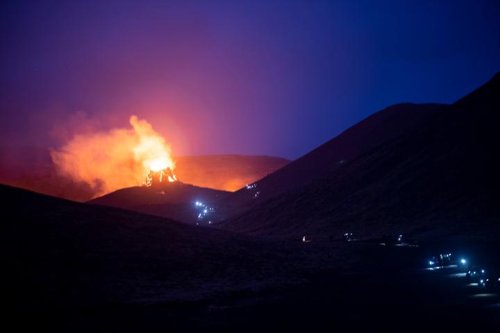 Fotos: Erupción de volcán en Islandia deja ríos de lava