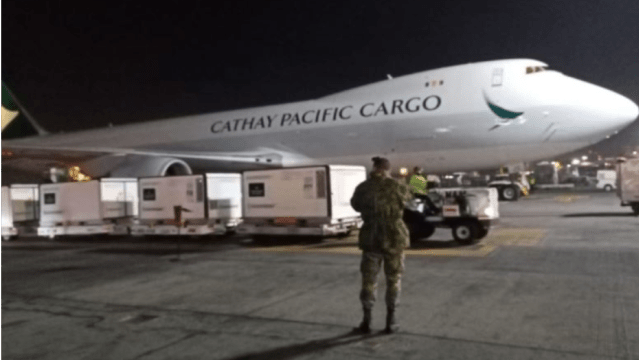 Un millón de vacunas COVID-19 de Sinovac llega a México