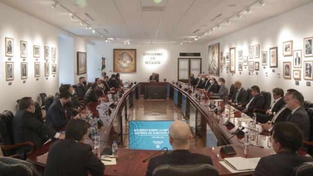 El presidente de México, Andrés Manuel López Obrador, durante una reunión en en materia de subcontratación (Twitter: @lopezobrador_)
