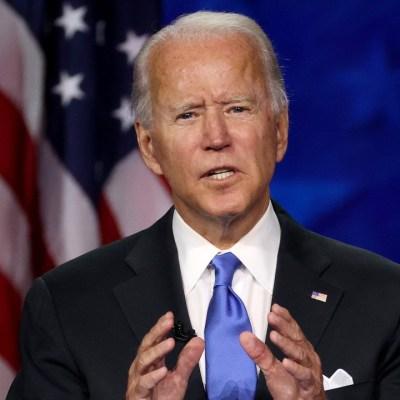 """Biden afirma que tuvo una conversación """"sincera"""" y """"respetuosa"""" con Putin"""