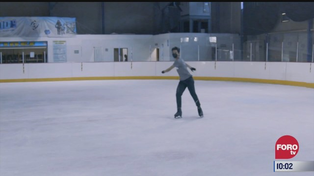 charlando con el patinador artistico donovan carrillo