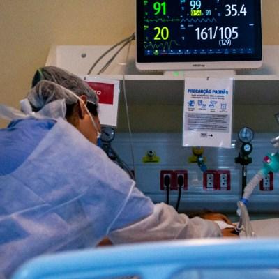 Brasil tiene más pacientes jóvenes que viejos en cuidados intensivos por COVID-19