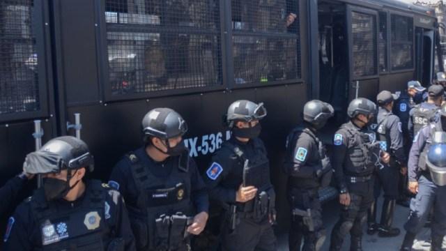 Detienen a policía por extorsión a automovilistas