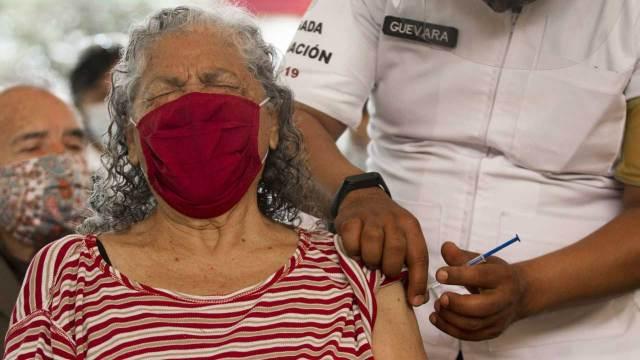 Vacunas contra COVID-19 México reporta 14 mil 811 reacciones