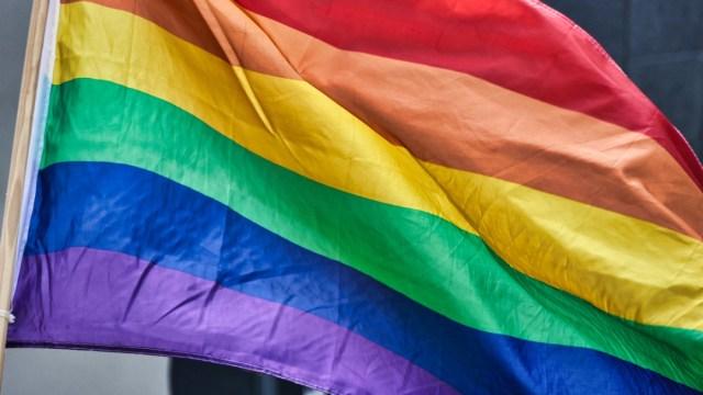 Abusan de mujer trans detenida en cárcel para hombres