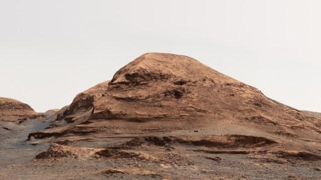 NASA bautiza colina de Marte con el nombre del científico mexicano Rafael Navarro
