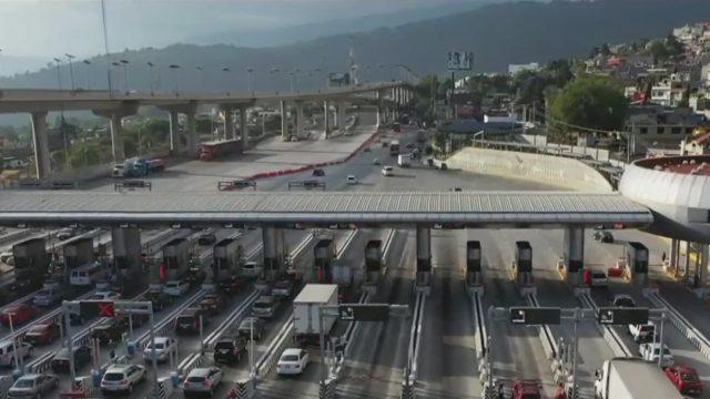 se incrementa fila de vehiculos en la caseta mexico cuernavaca