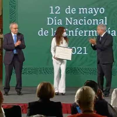 AMLO entrega reconocimientos por Día Internacional de la Enfermera 2021