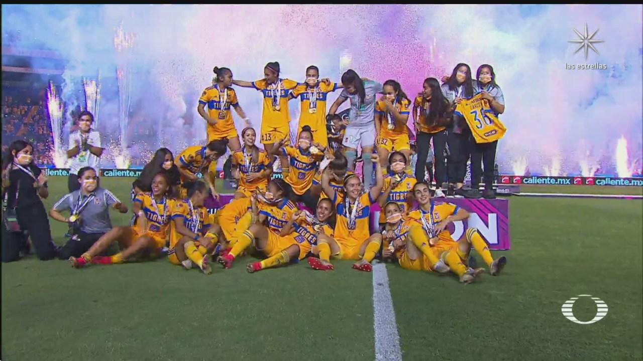 equipo femenil de tigres consigue primer bicampeonato