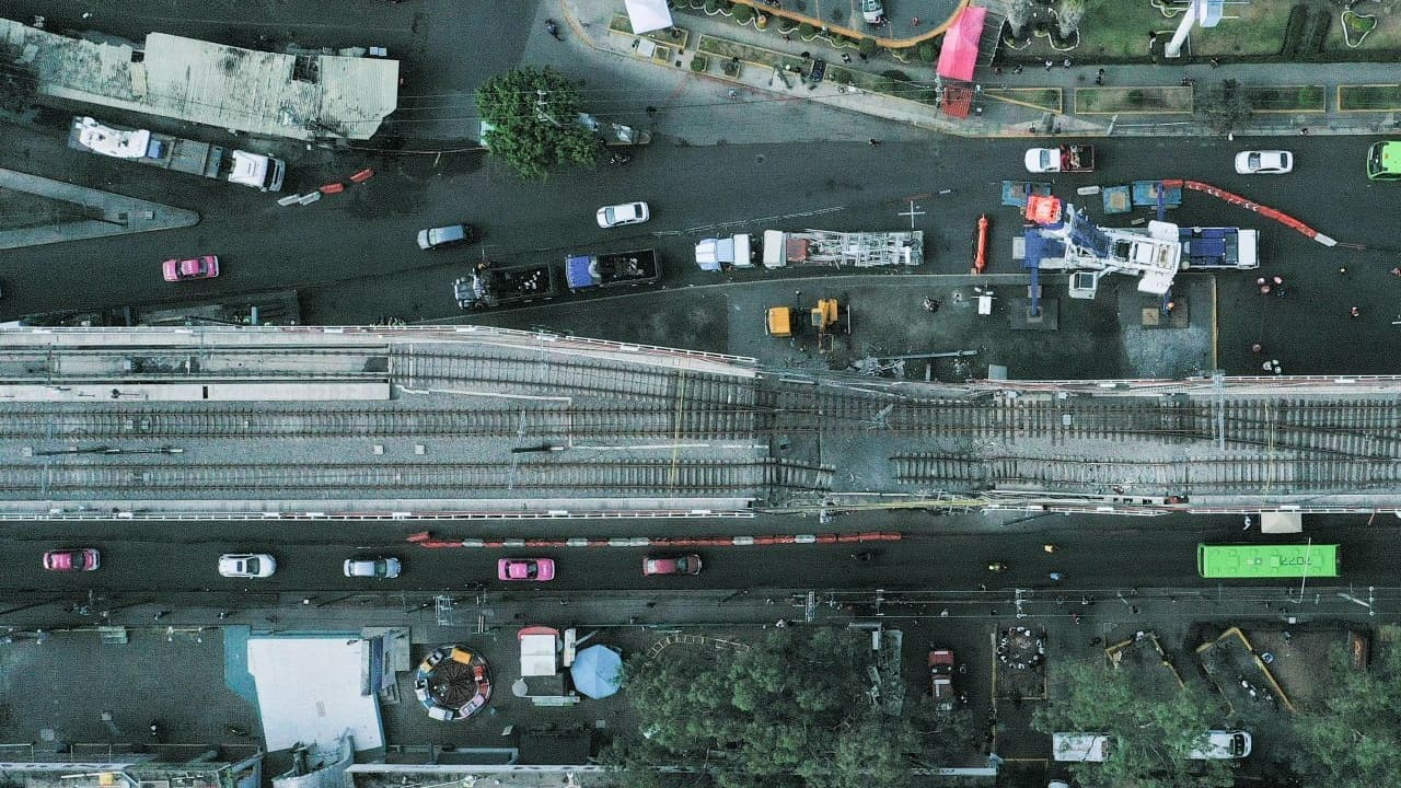 Lastimada por la tragedia, Avenida Tláhuac es la única opción vial para miles de personas