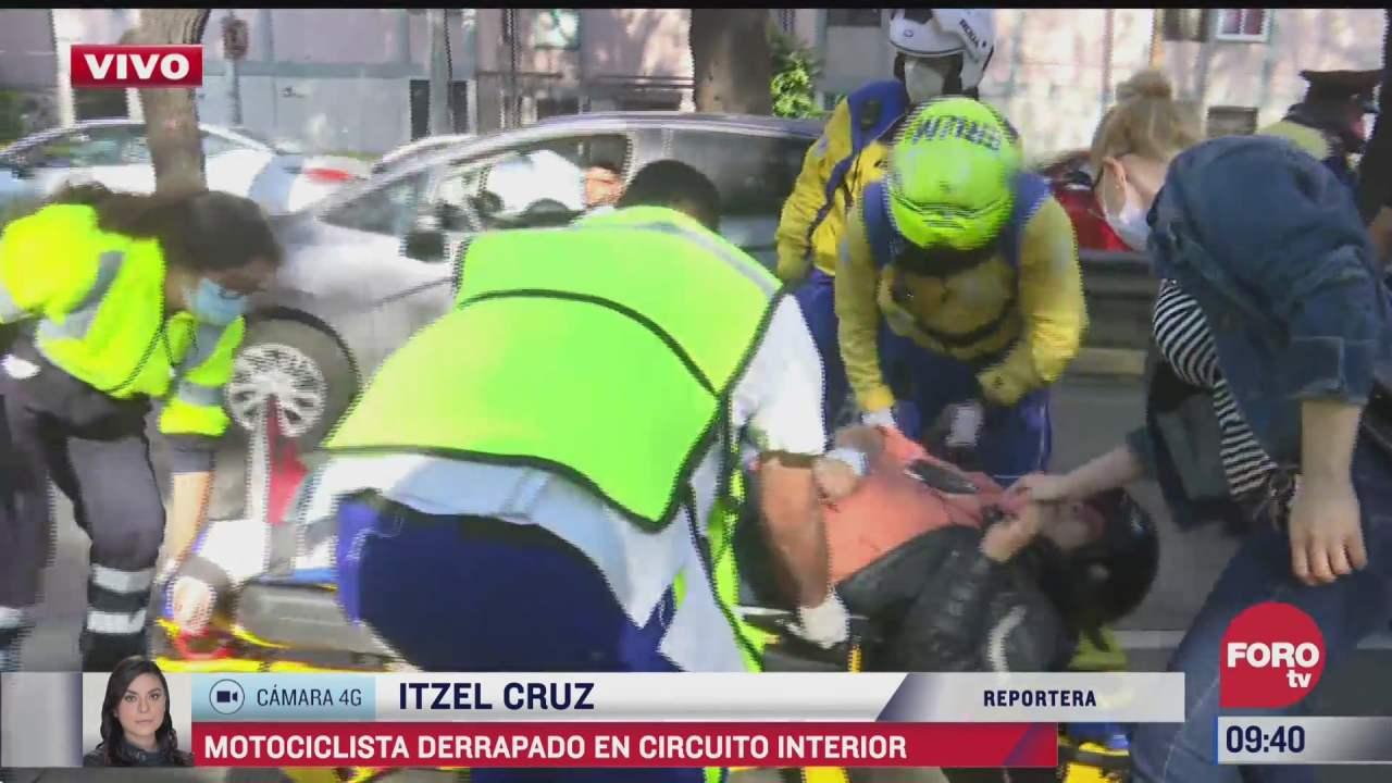 motociclista sufre fractura de tobillo en accidente en circuito interior
