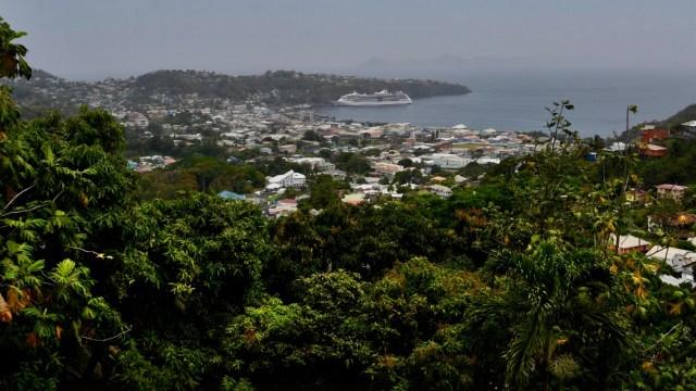 Sismólogo advierte que actividad del volcán de San Vicente y Granadinas aún no termina