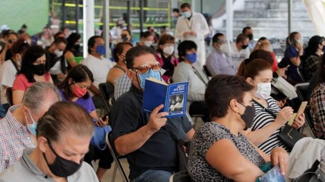 CDMX anuncia vacunación en población de 50 años en 4 alcaldías