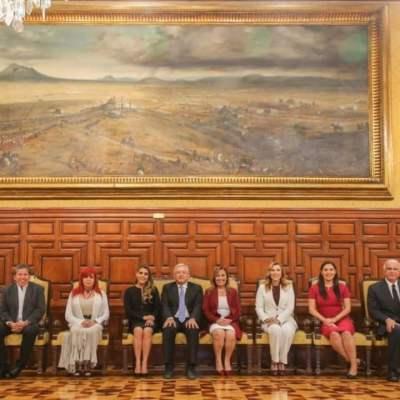 AMLO se reúne con gobernadores electos de Morena en Palacio Nacional