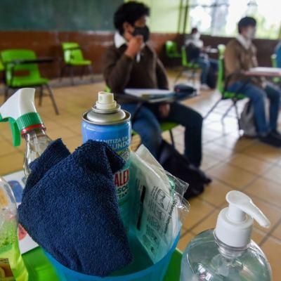Suman ocho casos positivos de COVID-19 en escuelas de CDMX tras regreso a clases presenciale