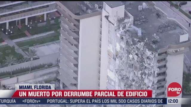 momento del derrumbe de un edificio en miami florida