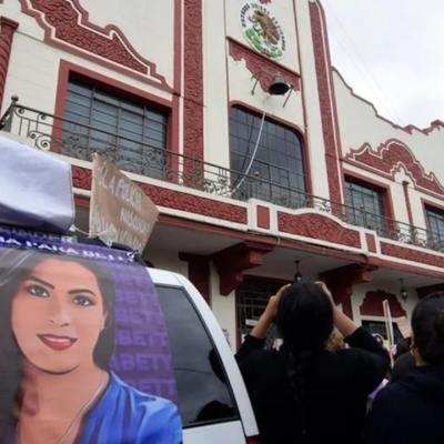 Colectivos feministas marchan contra represión policíaca que provocó muertes en Hidalgo