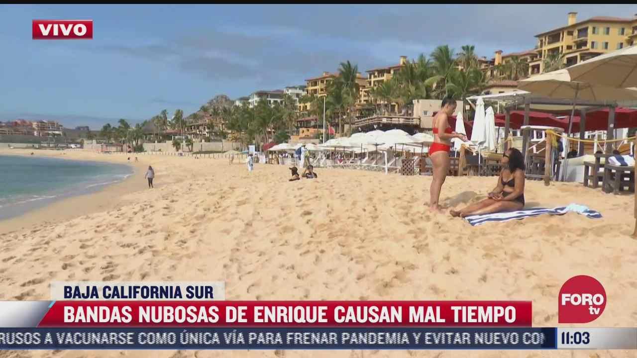 turistas disfrutan playas de baja california sur tras paso de enrique