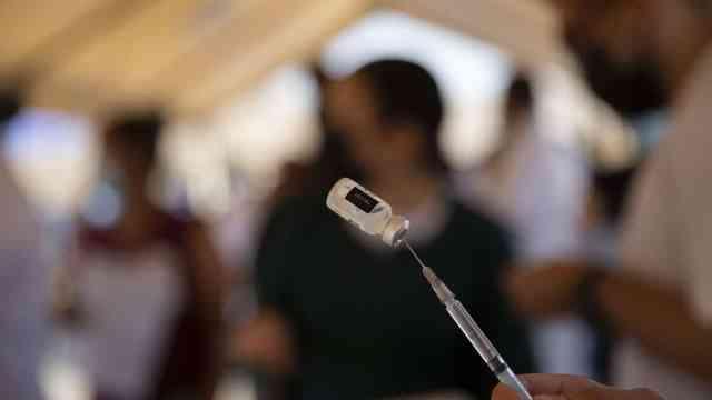 Vacunación contra COVID-19 será por las noches en Mexicali