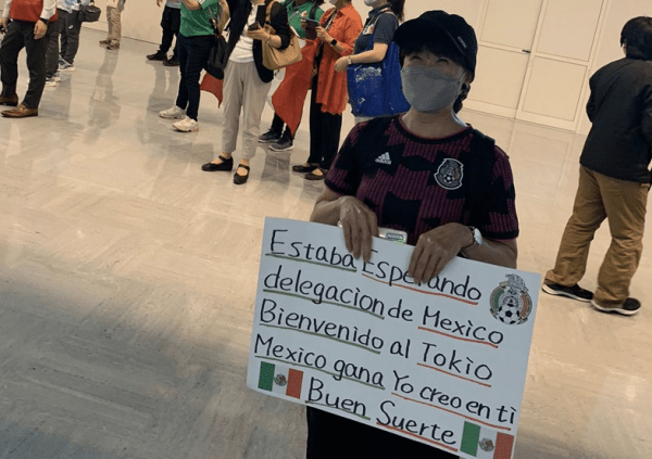 Juegos Olímpicos: aficionada recibe a selección mexicana