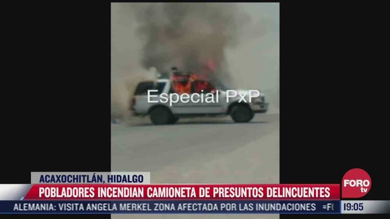 pobladores incendian camioneta de presuntos delincuentes en hidalgo