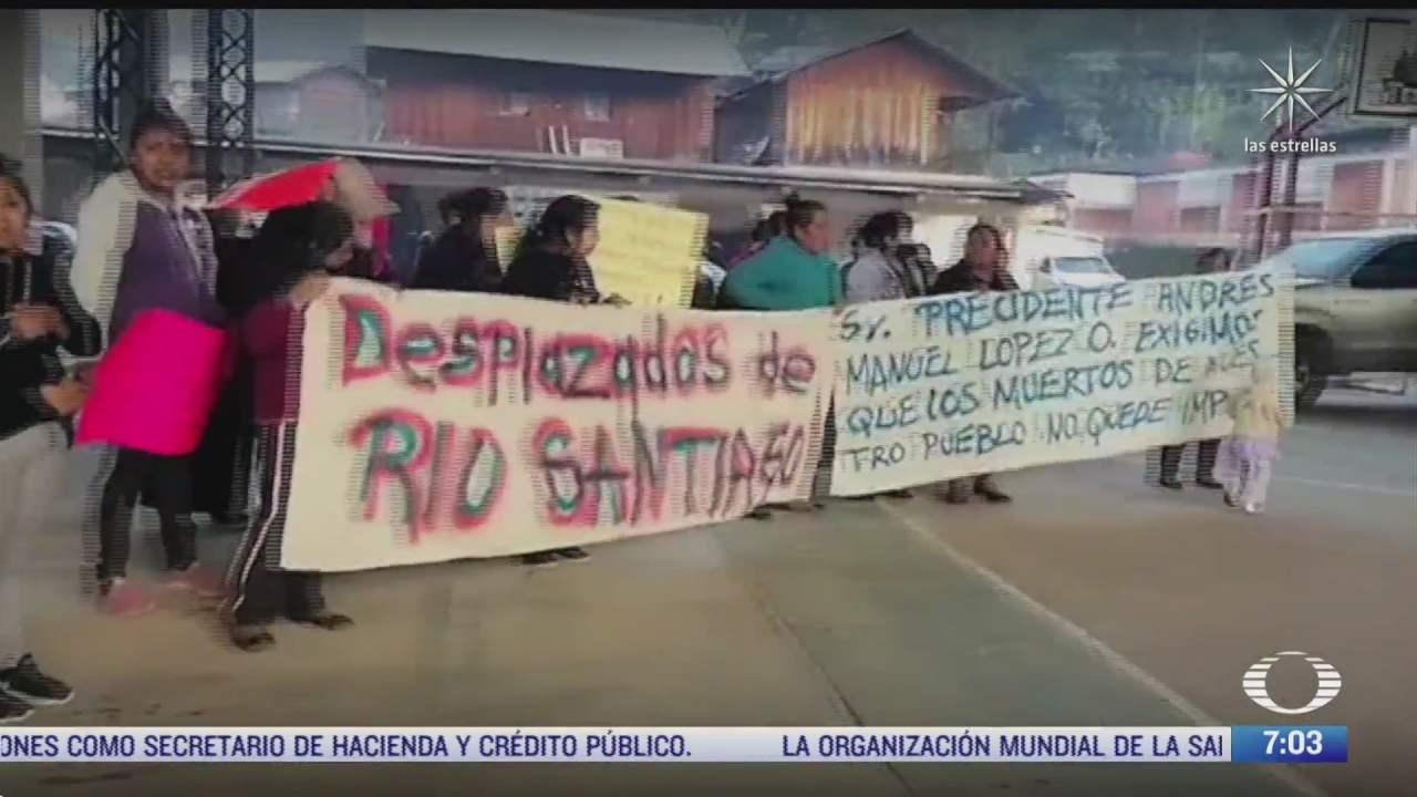 sigue la tension en oaxaca pobladores mantienen retenidos a funcionarios