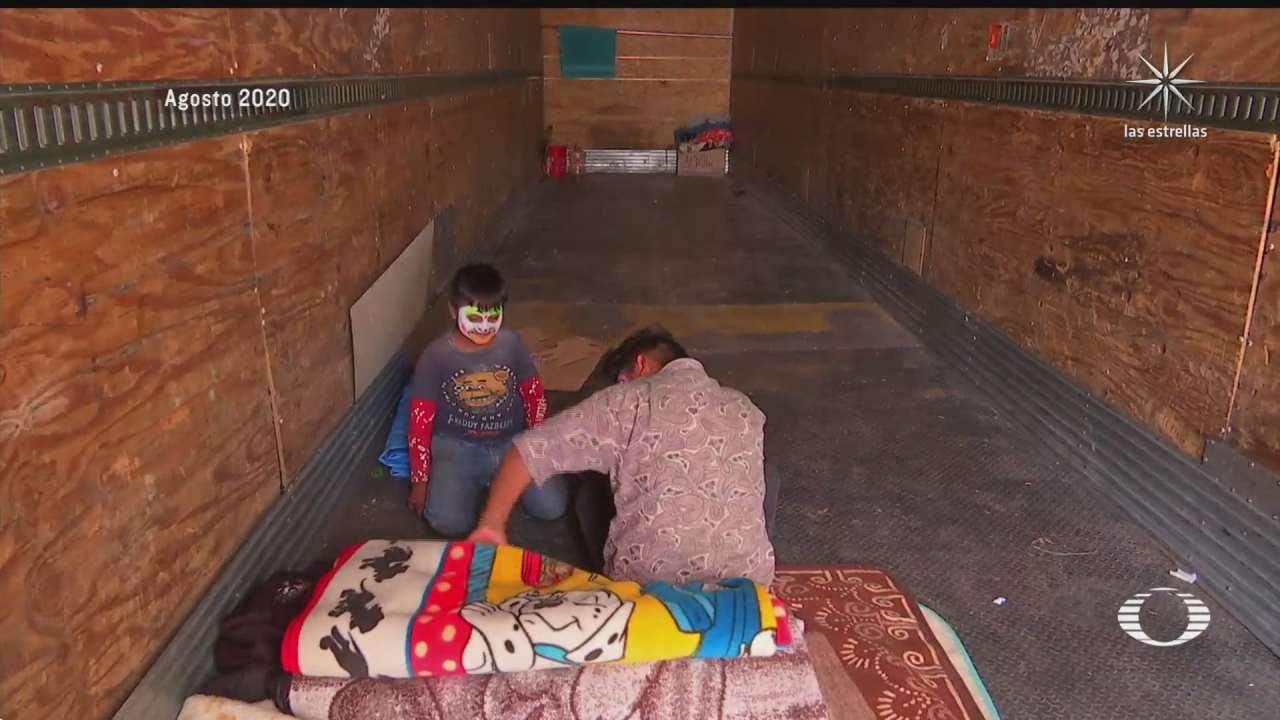 vecinos de vallejo apoyan a familia que tras pandemia vivia en caja de trailer
