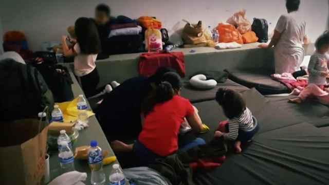 Familias de extranjeros retenidas en Cancún denuncian corrupción y violencia de personal migratorio