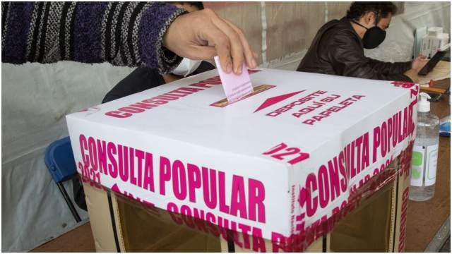 Fotos de la Consulta Popular 2021 a expresidentes