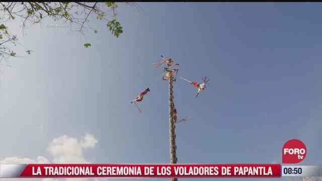 la tradicional ceremonia de los voladores de papantla