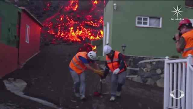 avanza lentamente lava del volcan cumbre vieja en espana