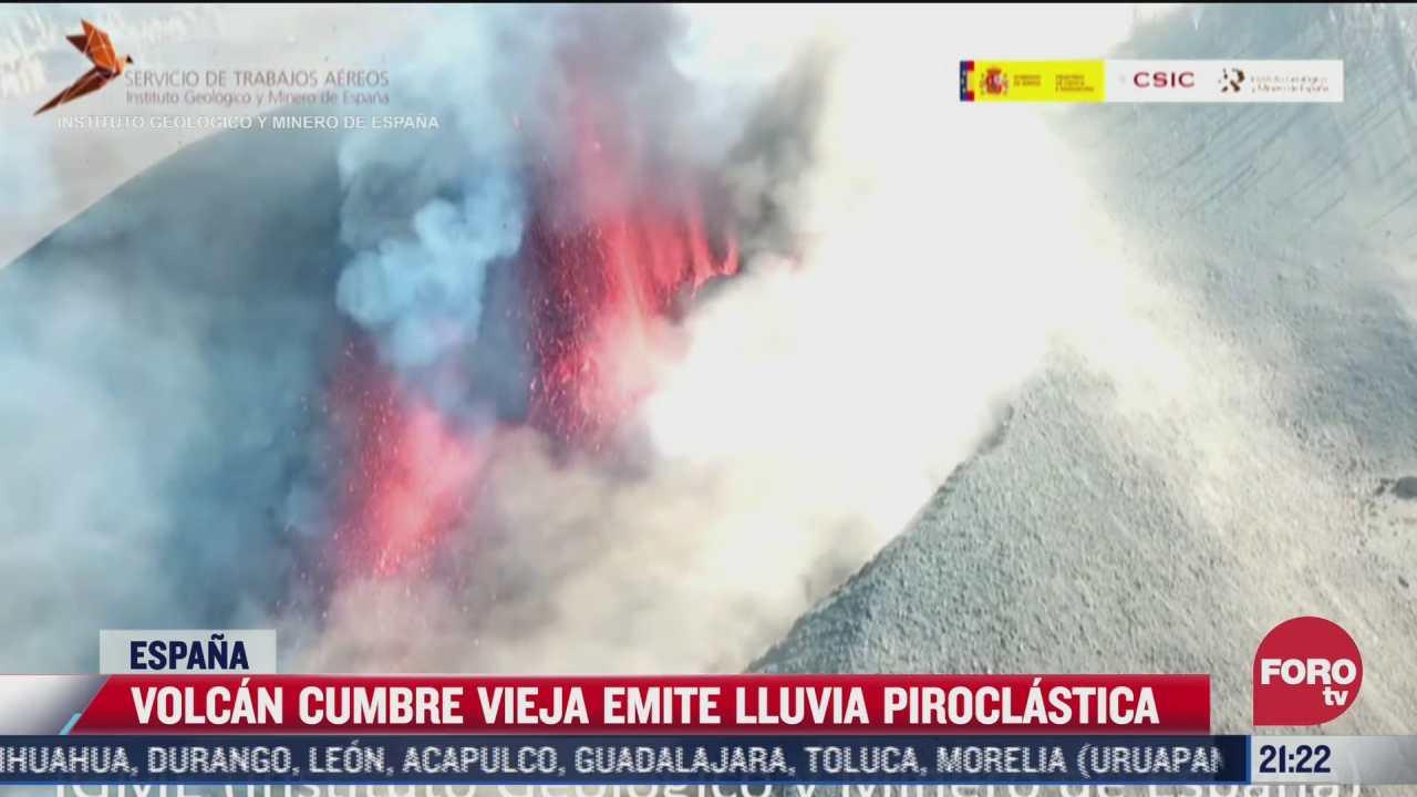 captan imagenes aereas del volcan cumbre vieja en espana