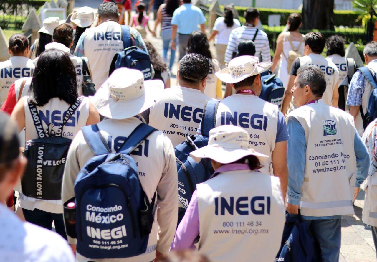 Trabajadores del Inegi durante el censo nacional