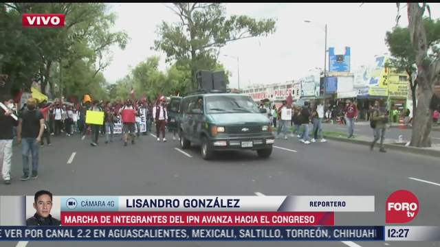 estudiantes del ipn marchan rumbo a la camara de diputados