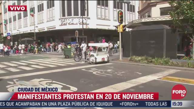 manifestantes protestan en 20 de noviembre en el centro historico de cdmx