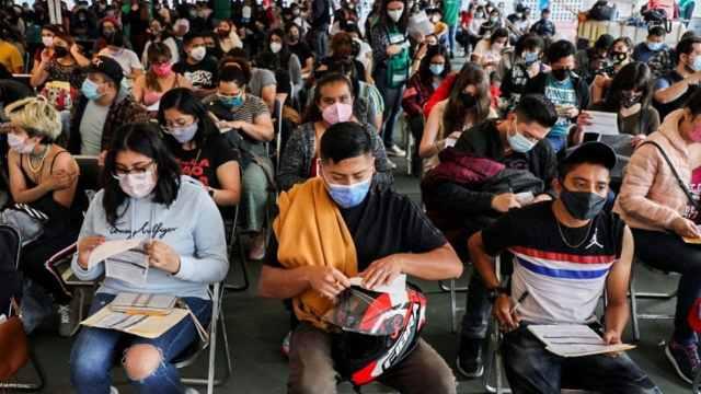 La vacunación contra covid-19 avanza en México, pese a las muertes por el virus.