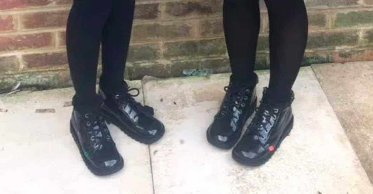 Zapatos de las niñas en Inglaterra considerados incorrectos por la escuela