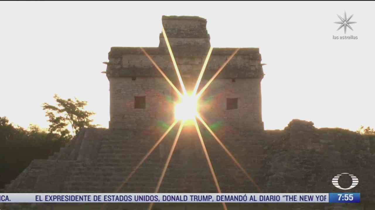 pobladores y turistas presencian el equinoccio de otono en yucatan