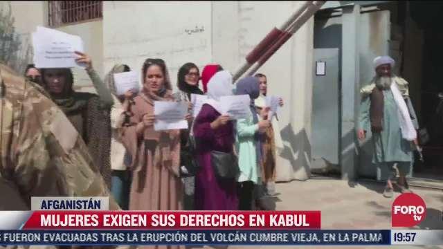 talibanes impiden que mujeres trabajen en afganistan