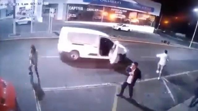 Camioneta usada en ataque a la cantina de Morelia, realizó antes otros delitos y nadie los detuvo