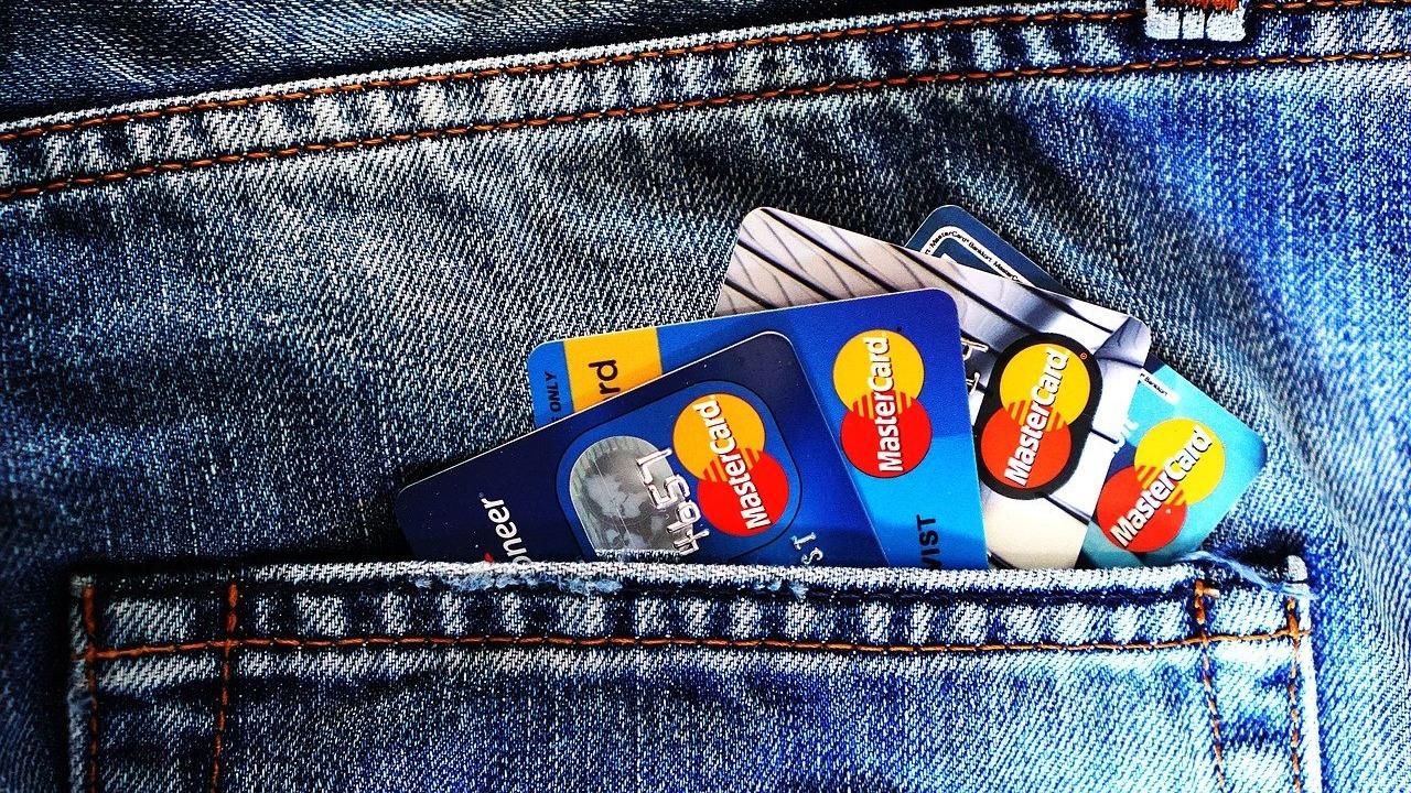 Así puedes evitar problemas con el SAT al pagar tarjeta de crédito